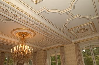 Restauration des ors des plafonds de l'Hôtel de Roquelaure