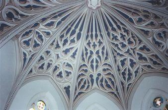 Restauration des trompe-l'oeil de la cathédrale de Chambéry