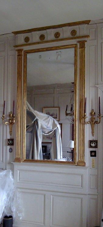 Patine et  dorure sur les miroirs des chambres
